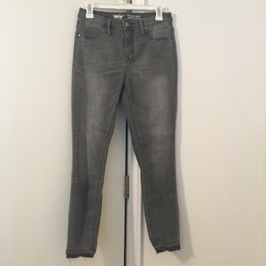 Mossimo High Rise Gray Jeggings 6/28R